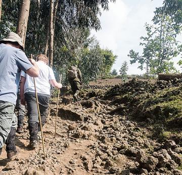 hiking tours rwanda